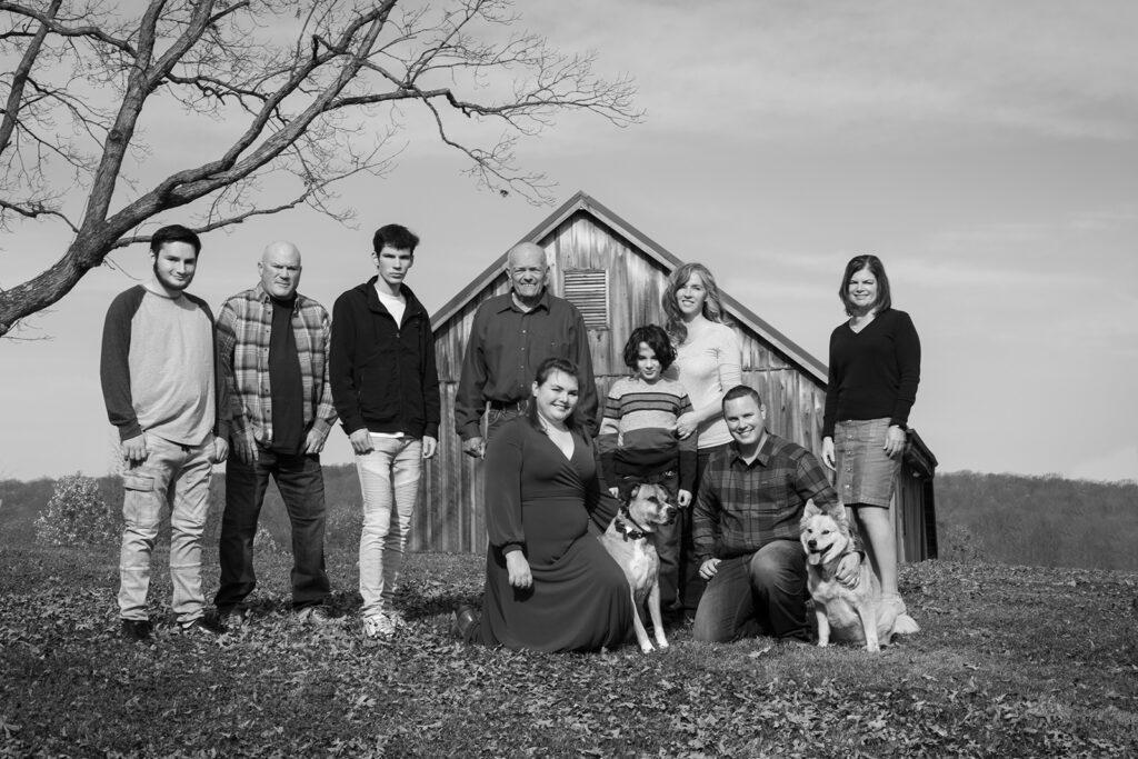 Black and white family photo Leesburg