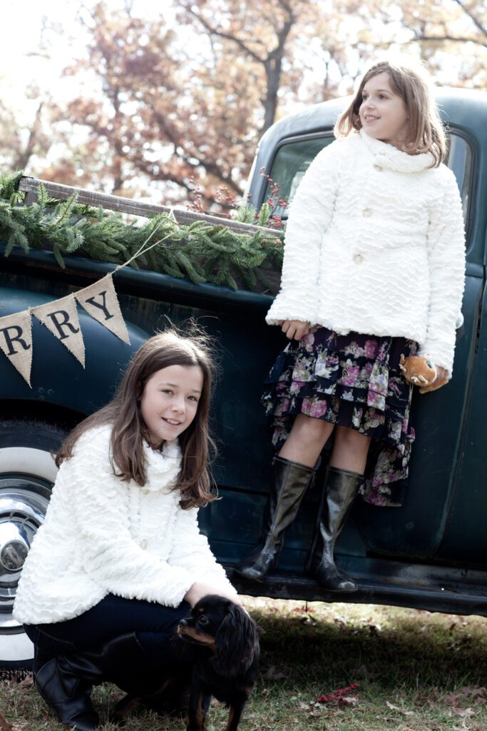 Sisters by vintages pick up with holiday theme in Leesburg Va